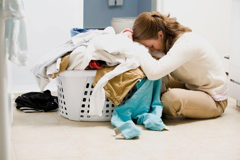 Không nên giặt quá nhiều quần áo trong cùng 1 mẻ máy giặt LG gây xơ vải